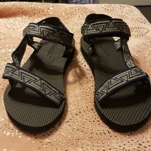 Strappy hiking summer sandals
